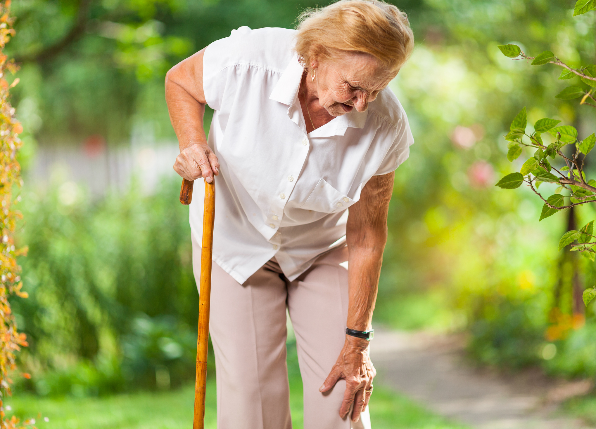 Elderly joint pain from osteoarthritis increases fall risks.